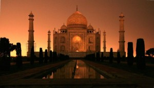 World Attractions at Night (25 photos) 11