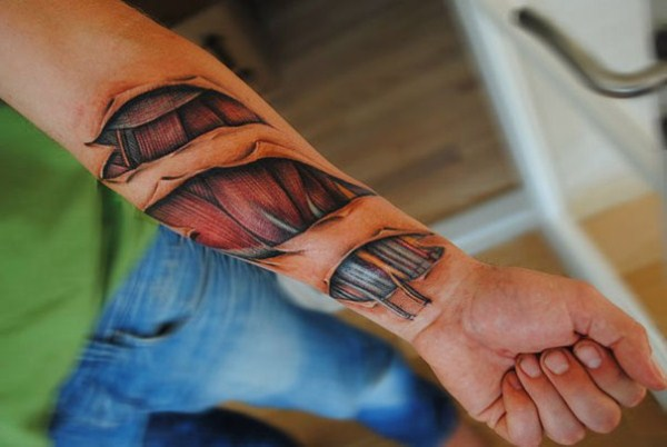 Creepily Realistic Tattoos (6 photos) 2