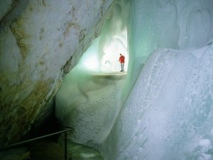 The World's Largest Ice Cave (8 photos) 2