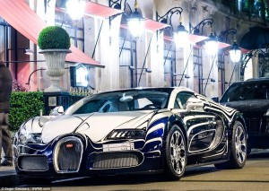 Bugatti Veyron Made Of Porcelain (6 photos) 3