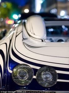 Bugatti Veyron Made Of Porcelain (6 photos) 4
