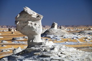 Alien-looking Landscapes On Earth (25 photos) 4