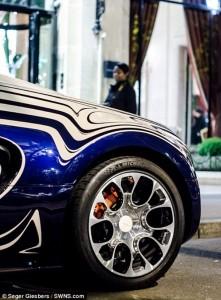 Bugatti Veyron Made Of Porcelain (6 photos) 5