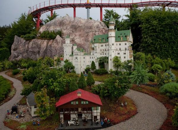 812 Amazing Legoland in Germany (35 photos)