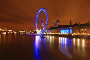 World Attractions at Night (25 photos) 9