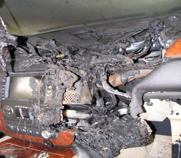 GPS Battery Explosion (5 photos) 5