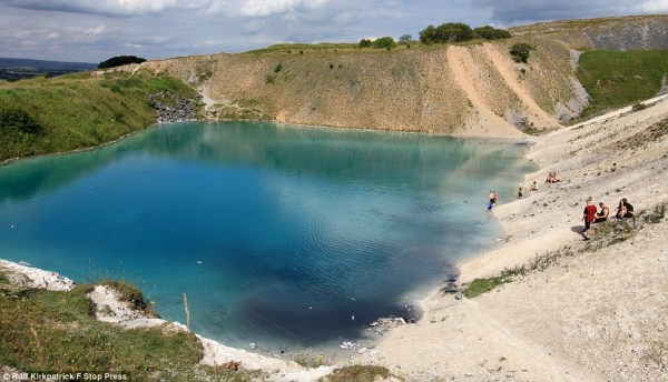 The Deadly Blue Lagoon (11 photos) 1