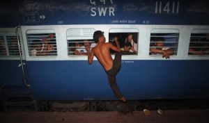 Overcrowded Trains in India (25 photos) 1