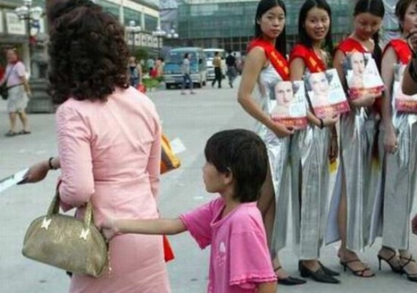 Pick-Pocketing in Asia (19 photos) 1