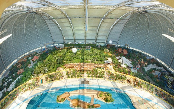 The Largest Indoor Beach (16 photos) 1