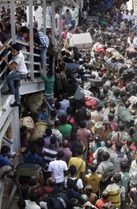 Overcrowded Trains in India (25 photos) 12