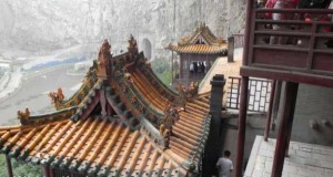 Hanging Temple in China (13 photos) 12