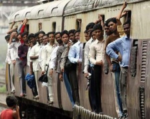 Overcrowded Trains in India (25 photos) 13