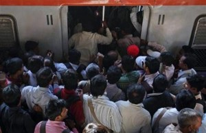 Overcrowded Trains in India (25 photos) 17