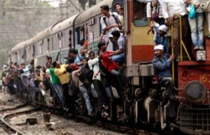 Overcrowded Trains in India (25 photos) 19
