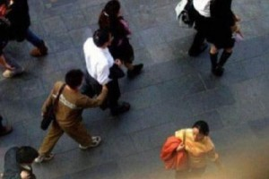 Pick-Pocketing in Asia (19 photos) 19