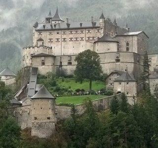 Beautiful Castles Around the World (19 photos)