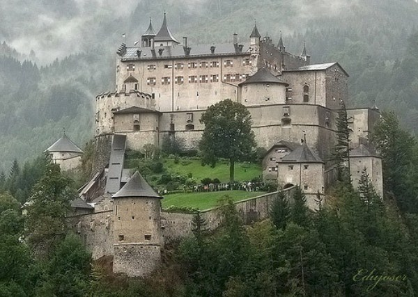 Beautiful Castles Around the World (19 photos) 19