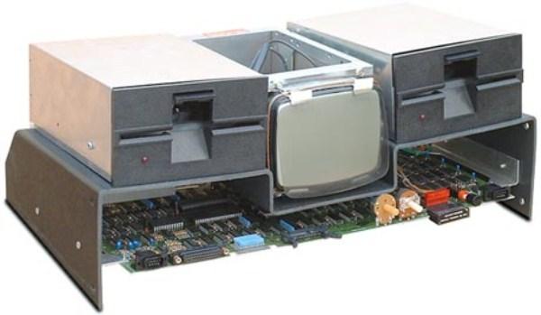 2108 Το πρώτο φορητό υπολογιστή (11 φωτογραφίες)