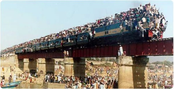 Overcrowded Trains in India (25 photos) 21