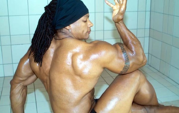 2144 The Strongest Woman In The World (22 photos)