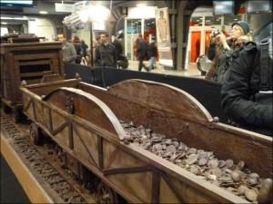 Chocolate Train (10 photos) 2