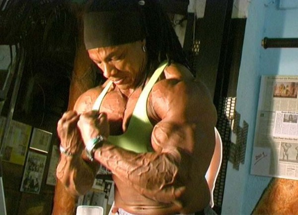 2226 The Strongest Woman In The World (22 photos)