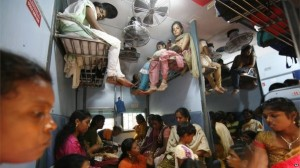 Overcrowded Trains in India (25 photos) 24