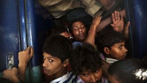 Overcrowded Trains in India (25 photos) 26