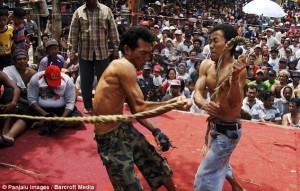 Brutal Whipping in Indonesia (9 photos) 3