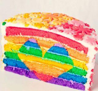 Amazing Cakes (22 photos)