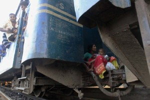 Overcrowded Trains in India (25 photos) 3