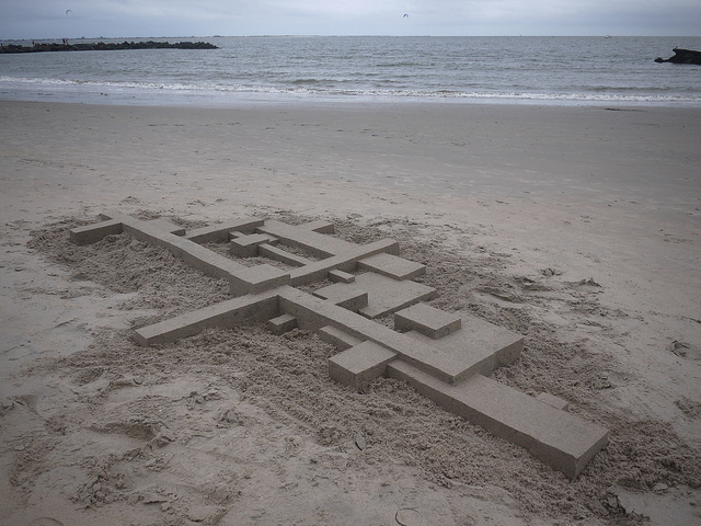 Amazing Geometric Sandcastles (35 photos) 35