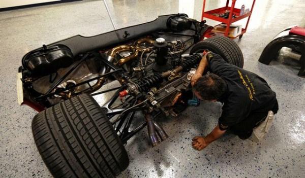 4 Ferrari F50 Clutch Replacement (6 photos)