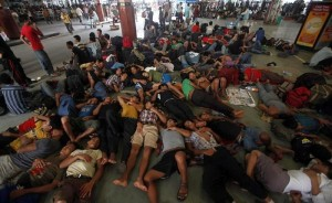 Overcrowded Trains in India (25 photos) 4