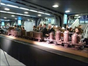 Chocolate Train (10 photos) 4