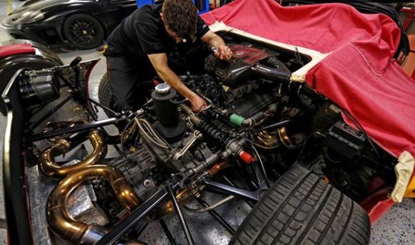 6 Ferrari F50 Clutch Replacement (6 photos)