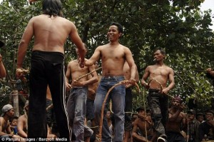 Brutal Whipping in Indonesia (9 photos) 7