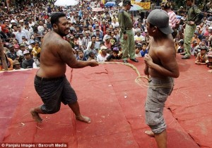 Brutal Whipping in Indonesia (9 photos) 8