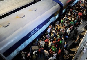 Overcrowded Trains in India (25 photos) 9