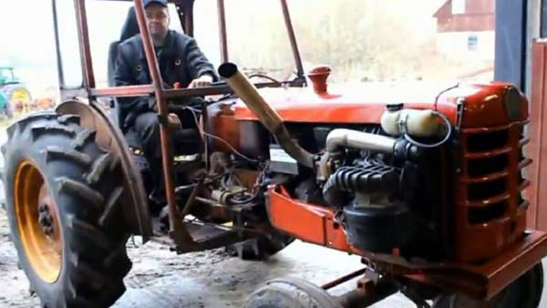 Volvo Engine in Tractor (video)