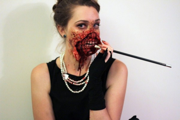 Zombie Audrey Hepburn Costume (7 photos) 1