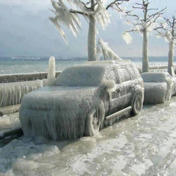 Cars Аfter Аn Ice Storm (18 photos) 18