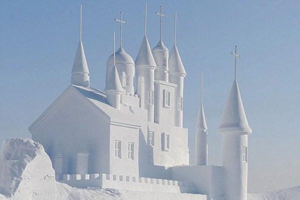 Incredible Sculptures Made Out Of Snow (8 photos) 2