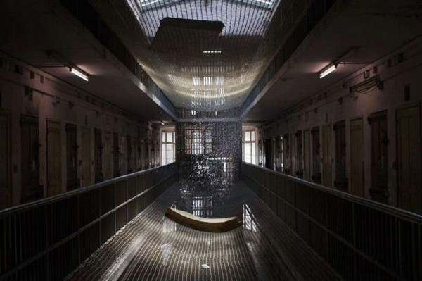 269 The Worst Prison in France (20 photos)