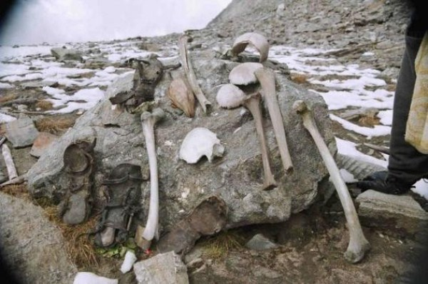 Roopkund Skeleton Lake (32 photos) 28
