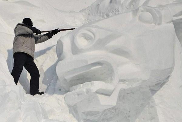 742 Incredible Sculptures Made Out Of Snow (8 photos)