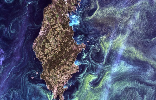 1015 Waters From Space (25 photos)