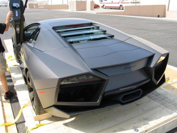 105 Η Unboxing της Lamborghini Reventon (17 φωτογραφίες)