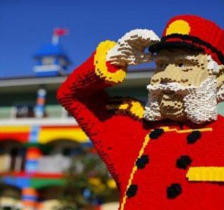 Lego Hotel (15 photos)